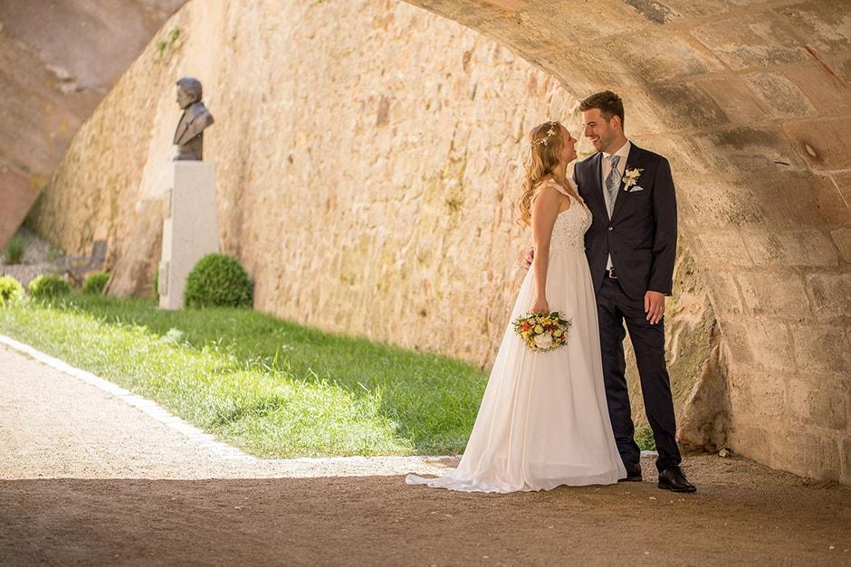 Brautpaar unter der Brücke Büchenbach
