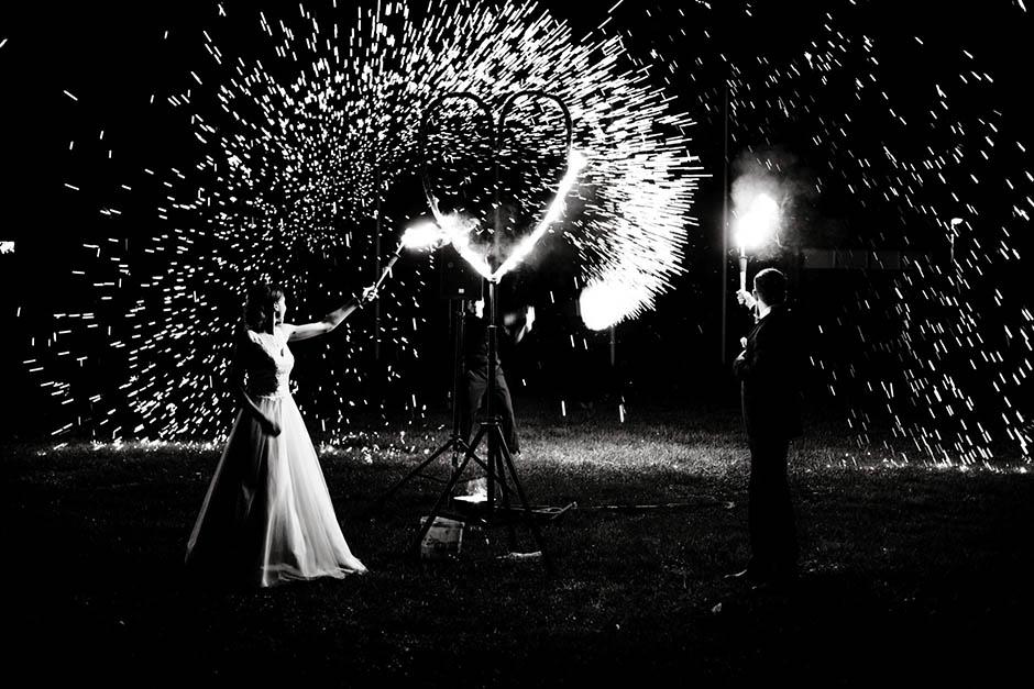 Hochzeit Feuerwerk Herz Schwarz-Weiß