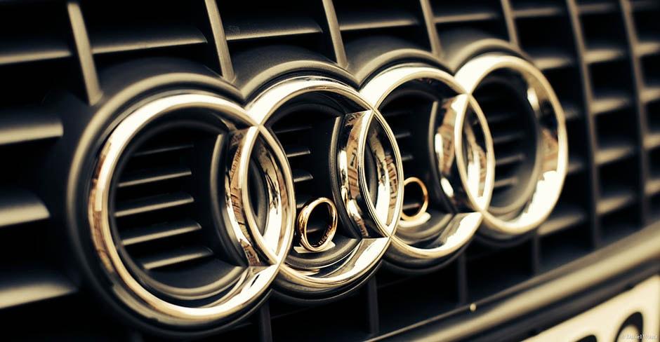 Hochzeitsringe im Audi-Logo