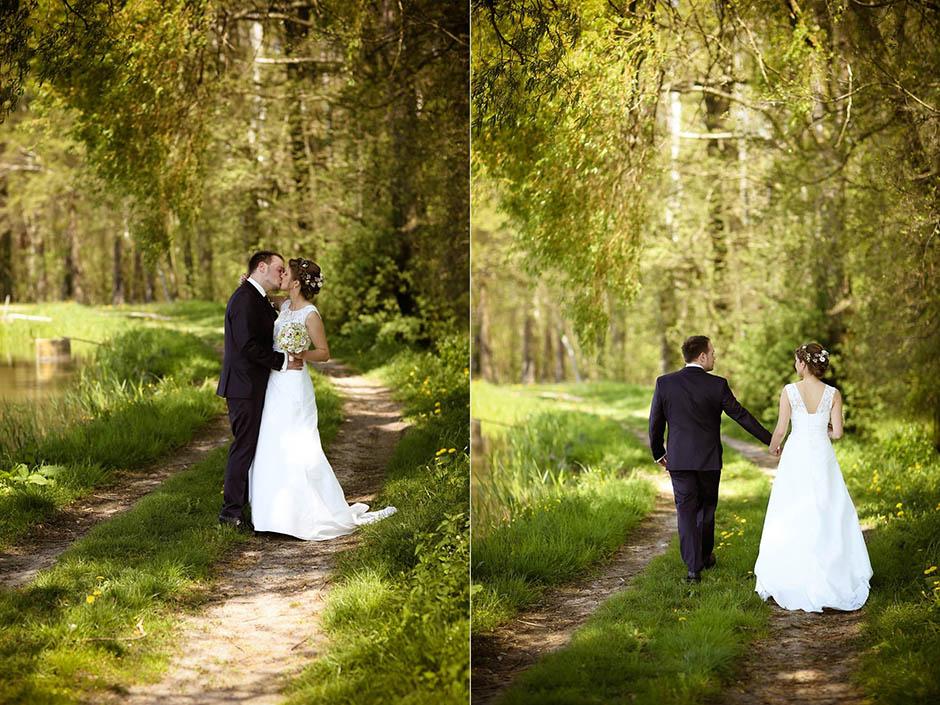 Hochzeitsfotograf Nürnberg unterwegs in der Natur mit dem Brautpaar