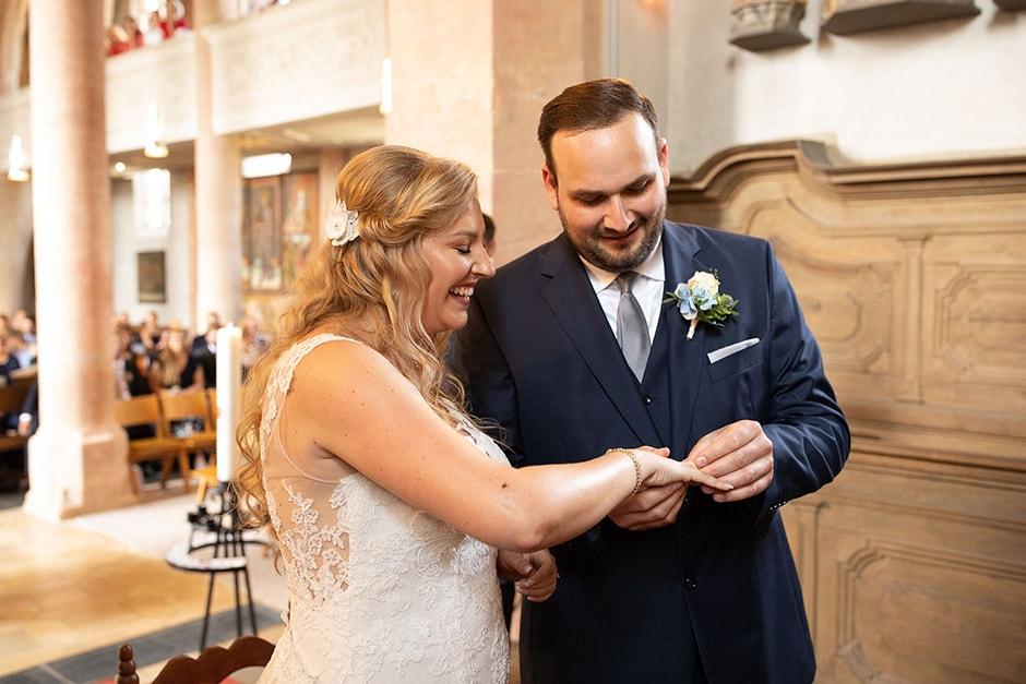 Hochzeitsfotografie-Ringuebergabe